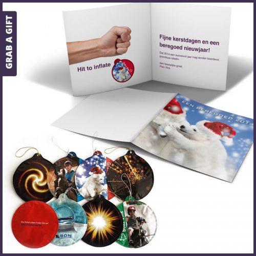 Grab a Gift - Kerstkaart met zelf opblazende kerstbal bedrukken
